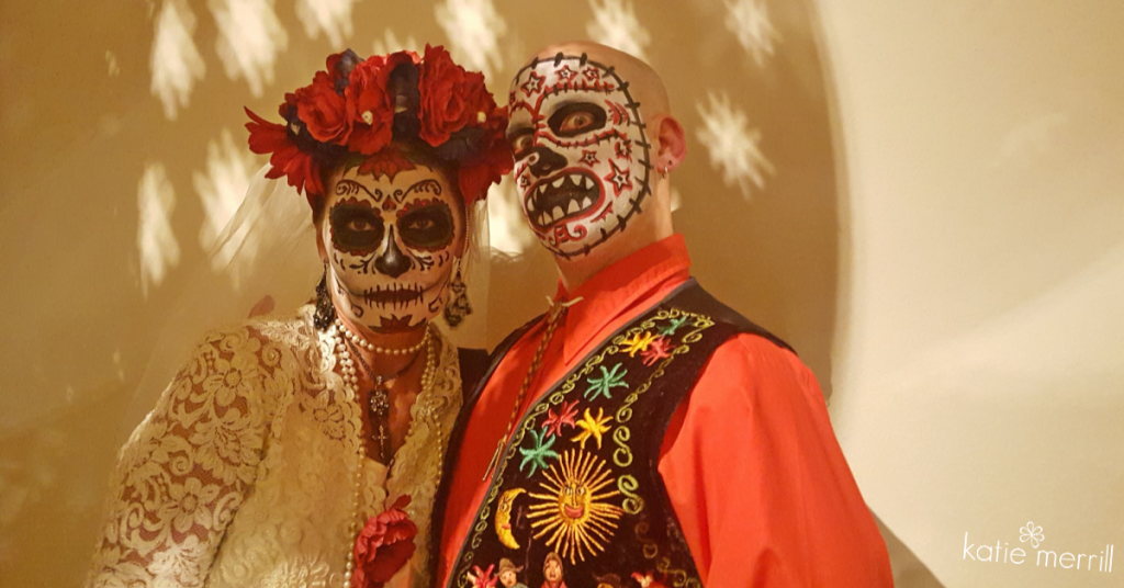 couple celebrating dia de los muertos